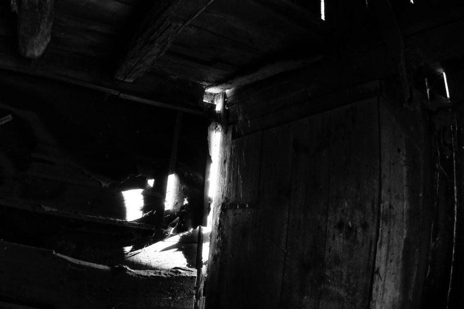 Barn Light - Sunrise