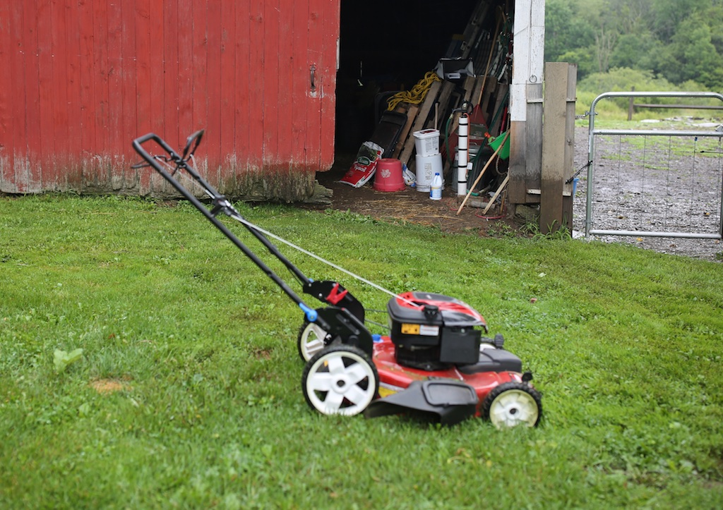 Lawn mower parts near me lawn mower sales maryville mo for Lawn mower cutting grass
